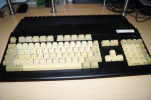 schwarzer Amiga 500 oben