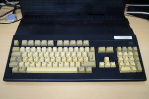 Amiga 500 vor retro bright