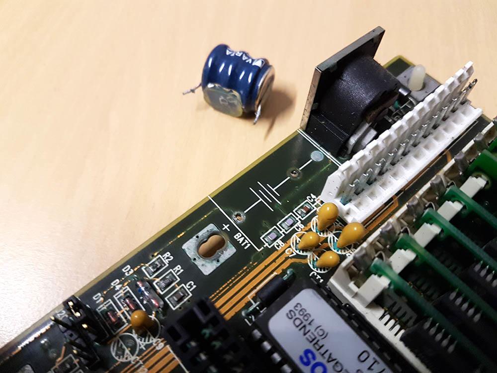 486er Board Akku entfernen