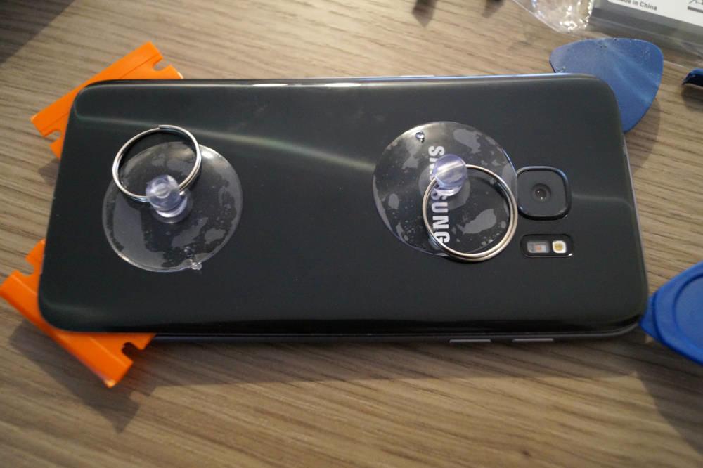 Samsung S7 Deckel abnehmen