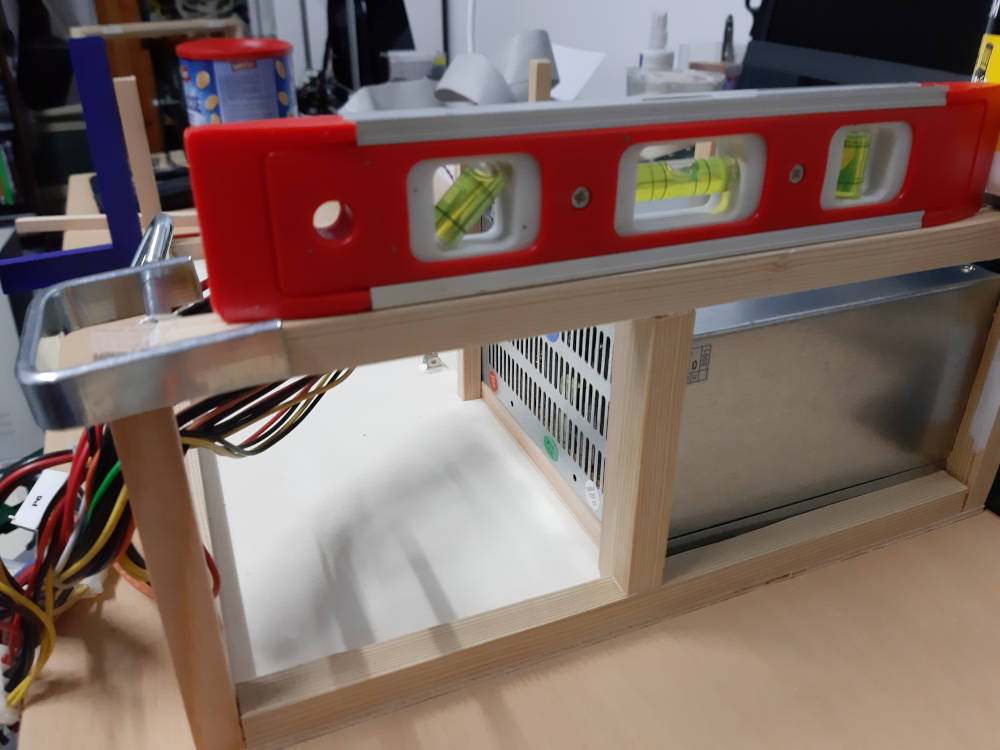 PC Gehäuse Rahmen Wasserwaage Schraubzwinge