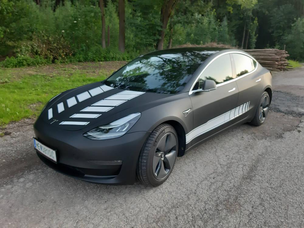folierter Tesla Model 3